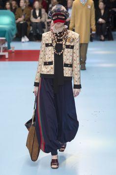 db9b9659573 Gucci Fall 2018 Ready-to-Wear Fashion Show Collection High Fashion