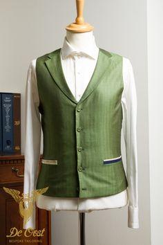 Groen visgraat singlebreasted vest met weggesneden revers. Handgemaakt met een Super 160's wol/zijde stof.