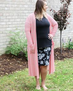 LuLaRoe Classic T, Cassie Skirt, Sarah Sweater. Shop with me on Facebook! Lularoe Quincy Picard