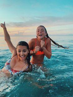 Cute Beach Pictures, Cute Friend Pictures, Beach Pics, Lake Pics, Lake Pictures, Girly Pictures, Bikini Pictures, Photos Bff, Friend Photos