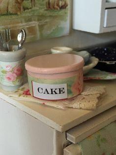 Miniature Cottage style Pink Cake tin-1:12 by RibbonwoodCottage