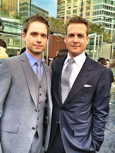 Adams y Gabriel Macht--Suits! :) I would totally take these 2 yummy boys! Trajes Harvey Specter, Harvey Specter Suits, Suits Harvey, Suits Tv Series, Suits Tv Shows, Gabriel Macht, Mike Ross Suits, Suit And Tie, Mens Suits