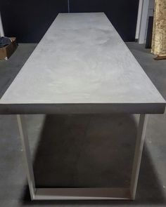 Tafel 300 cm / microbeton / staal / wit/ LijnMlabel  Info@lijnm.com