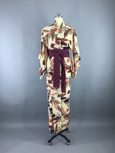 Vintage 1940s Silk Kimono Robe / Ivory Floral Print