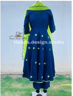 Com Acrylic pour painting - My Life Hane Program Punjabi Suit Boutique, Punjabi Suits Designer Boutique, Boutique Suits, Indian Designer Suits, Embroidery Suits Punjabi, Embroidery Suits Design, Simple Indian Suits, Marriage Suits, Designer Punjabi Suits Patiala