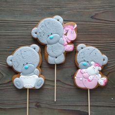 Тедди беби вообще моя любовь Teddy Bear Party, Teddy Bear Birthday, Baby Birthday Cakes, Bear Cookies, Cookies Et Biscuits, Royal Icing Cookies, Cupcake Cookies, Cupcakes, Ginger Cookies