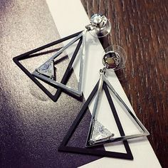 Pair of Modern Cut Out Overlap Triangle Rhinestone Earrings For Women ($2.69) ❤ liked on Polyvore featuring jewelry, earrings, cut out earrings, earring jewelry, triangular earrings, triangle jewelry and cut out jewelry
