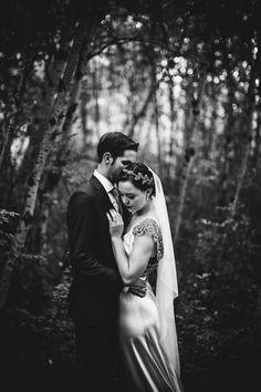 glamorous twenties bride and groom photo by Gabe McClintock Photography | via junebugweddings.com