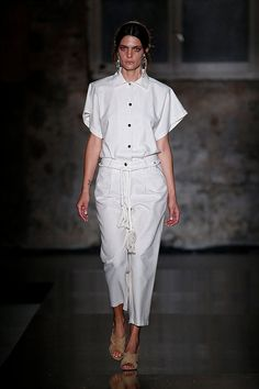 amt. studio is an ethical brand from Barcelona. Collection SS18 Spring Summer 2018 Catwalk in 080 Barcelona Fashion. Made in spain. Dress / Coats / t-shirt /  shirt  and more in our website. by Adrià Machado