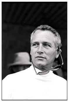 """Paul Newman in conferenza stampa del film """"Gli effetti dei raggi gamma sui fiori di Matilde """" al festival de Cannes nel 1973 © Daniel Angeli / Agence Angeli"""