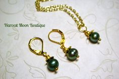 Pearl Necklace Earrings Set Dark Green Cultured by AngiePinkal