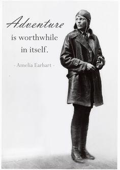 Los hombres, como las mujeres, deben tratar de lograr lo imposible. #Man #Quote #Frase
