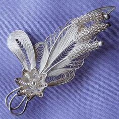 Vintage SILVER Filigree Floral Brooch