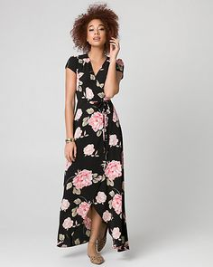 Floral Print Crêpe de Chine Maxi Dress - This free flowing and feminine maxi dress features a romantic floral print and a flattering high-low hemline.