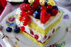 Schoko - Bananentorte mit Stracciatella-Mousse - Zungenzirkus Panna Cotta, Kiwi, Fun Nails, Cheesecake, Food And Drink, Baking, Desserts, Sweet Recipes, Pie