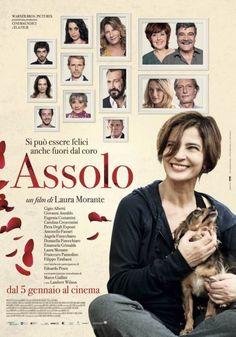 Primo Trailer e locandina di ASSOLO il nuovo film di Laura Morante, commedia con un cast stellare di attori italiani