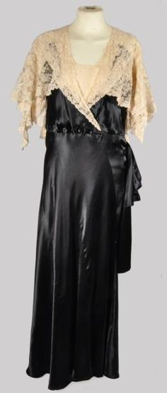 ~Callot Soeurs, dress, labeled, summer 1933 front~ I adore that lace shawl!  Exactly like that {even though this seems to be attached} for those evening gowns that would require one. So nicely draped & styled! Sigh...<3