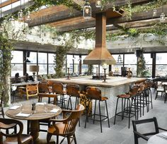 The industrial interiors of Shoreditch House (part of soho house) in London are so amazingly stylish