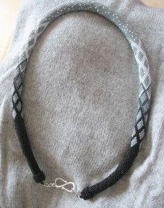 naszyjnik, długość 65 cm