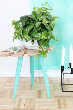 DIY Tropical Leaf Side Table » Curbly   DIY Design Community