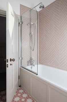SGS Design Ltd Putney Project Pink bathroom. Bathroom Interior Design, Home Interior, Decor Interior Design, Mold In Bathroom, Small Bathroom, Pink Bathroom Tiles, Pink Bathrooms, Bathroom Grey, Boho Bathroom