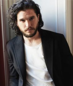 Kit Harington ~ suits suit him, white suits him, black suits him, everything just looks good on him