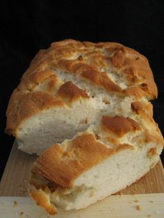 Gluten free french bread. This looks like it would make an awesome french bread pizza. <3