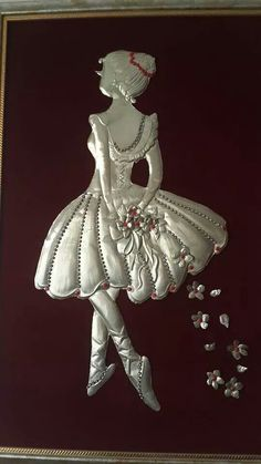 Ub This is so adorable! Aluminum Foil Crafts, Metal Crafts, Pewter Art, Pewter Metal, Plaster Sculpture, Sculpture Art, Tin Foil Art, Soda Can Crafts, Deco Paint