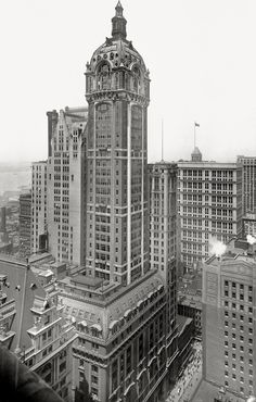 Singer Building, New York City | New York - History - Geschichte.  Architect: Ernest Flagg The Singer Building was the tallest building in the World from 1908-1909.  It was demolished in 1968, along with the neighboring City Investing Building http://www.skyscraperpage.com/cities/?buildingID=10245 to make way for One Liberty Plaza http://www.skyscraperpage.com/cities/?buildingID=2376.  What a shame!  It was a beautiful building.