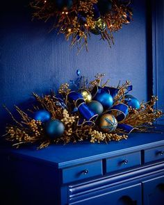 Sapphire & Gold 46 Mantel - Home Page Gold Christmas Decorations, Christmas Swags, Gold Christmas Tree, Merry Christmas To All, Christmas Colors, Xmas Tree, Christmas 2019, All Things Christmas, Christmas Holidays