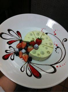 関連画像 Dinner Party Desserts, Mini Desserts, Plated Desserts, Dessert Recipes, Patisserie Design, Weight Watcher Desserts, Chocolate Pastry, Chocolate Desserts, Food Design