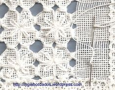florida-passo2-copy Hardanger Embroidery, White Embroidery, Embroidery Applique, Drawn Thread, Thread Art, Bordado Tipo Chicken Scratch, Lace Drawing, Art Textile, Crochet Flower Patterns