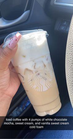 Café Starbucks, Starbucks Hacks, Bebidas Do Starbucks, Healthy Starbucks Drinks, Starbucks Secret Menu Drinks, How To Order Starbucks, Coffee Drink Recipes, Coffee Drinks, Iced Coffee