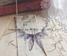 Hermosa hada púrpura delicado collar de alas