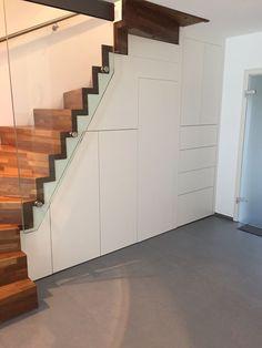 einbauschrank unter der treppe mit viel stauraum der treppen einbauschrank wurde in unserer. Black Bedroom Furniture Sets. Home Design Ideas