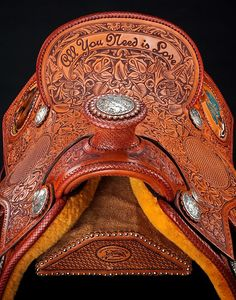 Skyhorse-collection-saddle-all-you-need-is-love-600-front