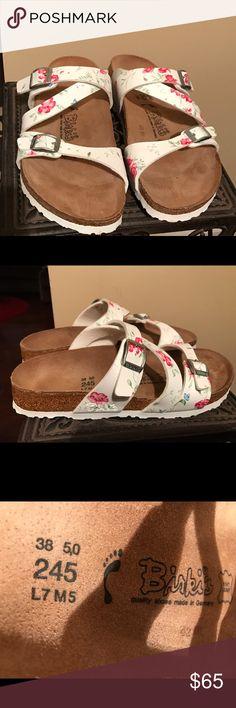 BIRKENSTOCK FLORAL PRINT SLIDE-ON SANDAL....Sz 38 Very good condition .....Fast shipping ....Enjoy Birkenstock Shoes Sandals