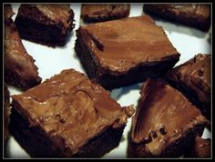 Pretty and Polished: Slimming World Brownies astuce recette minceur girl world world recipes world snacks Slimming World Brownies, Slimming World Deserts, Slimming World Puddings, Slimming World Diet, Slimming Word, Slimming Eats, Yummy Treats, Sweet Treats, Yummy Food