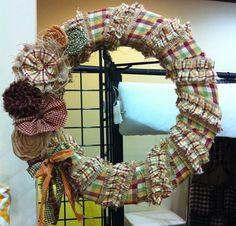 Homespun and burlap wreath tutorial from Jubilee Fabric.  Christmas or Fall wreath.