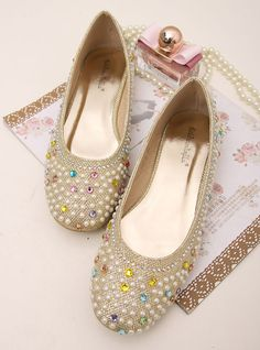 shoes - http://zzkko.com/n173223-ong-Way-2013-Colorfl-Light-Princess-colored-sequins-round-single-shoes-low-shoes-flat-shoes.html $18.00