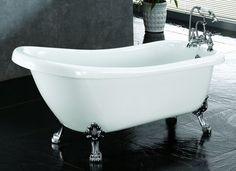 Freestanding slipper Bath with Chrome Ball & Claw Feet