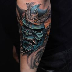 the samurai head must look evil like this and be on the upper arm somewhere. Samurai Maske Tattoo, Hannya Samurai, Hannya Maske Tattoo, Oni Mask Tattoo, Samurai Warrior Tattoo, Badass Tattoos, Body Art Tattoos, Hand Tattoos, Tattoos For Guys