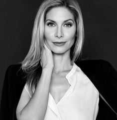 A portrait of Elizabeth Mitchell 👌😇. A Pixgallery.ca choice.