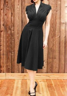 Black Plain Pleated Square Neck V-neck Vintage Midi Dress