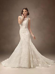 A Traje Social é especialista em Vestidos de Noiva de classe e elegância incomparável.