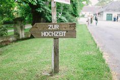 """Vintage Hochzeitsdeko, Hochzeitsdeko aus Holz, Wegweiser """"zur Hochzeit"""""""
