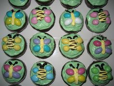 HECK FRIDAYS: Yummy Recipe: Flutter Bug Cupcakes
