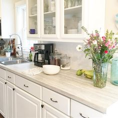 Read More About Awesome Kitchen Countertops DIY Formica Laminate Countertops, Travertine Countertops, White Cabinets White Countertops, White Kitchen Cabinets, Kitchen Countertop Materials, U Bahn, New Kitchen, Kitchen Ideas, Awesome Kitchen