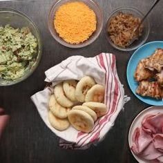 Family Arepas: Use Masa Flour. Cooking Tips, Cooking Recipes, Game Recipes, Dishes Recipes, Pizza Recipes, Tapas, Muffins, Mexican Food Recipes, Ethnic Recipes