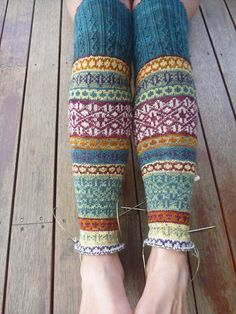 Ravelry: lizoid's fairisle kneehigh sock-a-thon.not crochet, but cute! Fair Isle Knitting, Knitting Socks, Hand Knitting, Knitting Patterns, Crochet Patterns, Punto Fair Isle, Free Crochet, Knit Crochet, Fair Isle Pattern